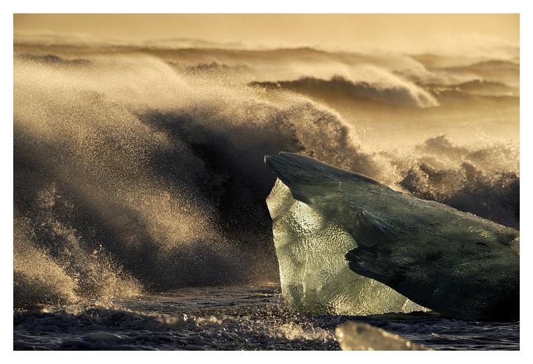 """""""Chasing Ice"""", reż. Jeff Orlowski - kadr z filmu (źródło: materiały prasowe)"""