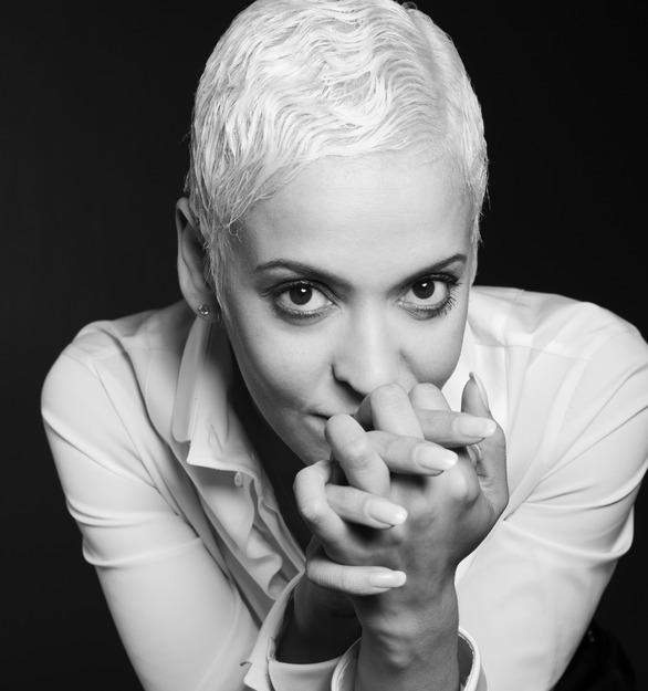 Mariza - wokalistka (źródło: materiały prasowe)