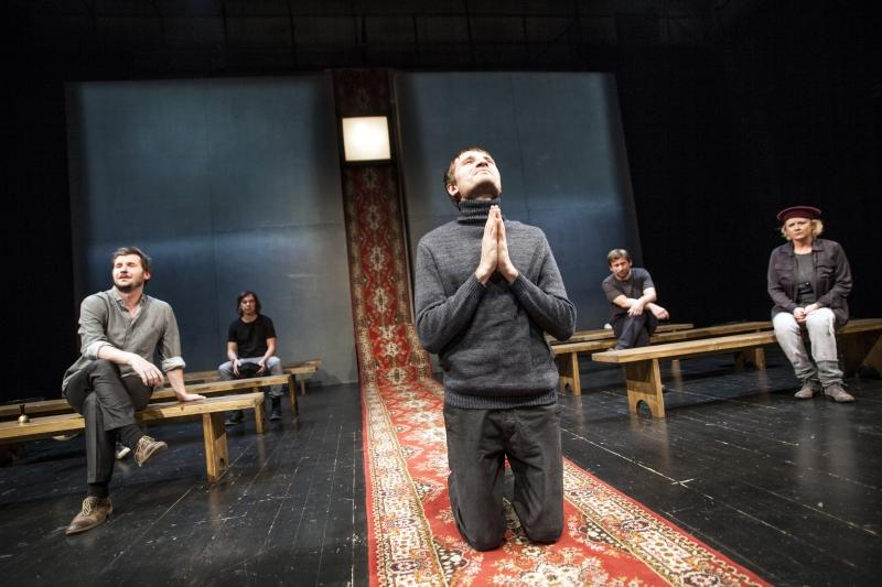 Niewierni, reż Piotr Ratajczak, Teatr Łaźnia Nowa w Krakowie (źródło: materiały prasowe)