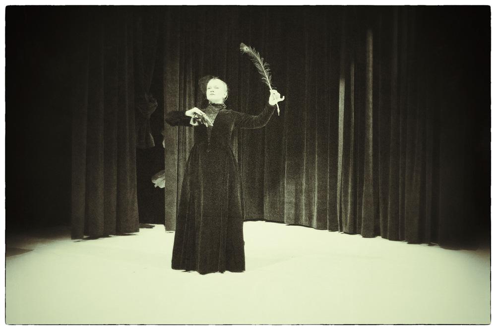 Wesele Wyspiańskiego w wykonaniu Teatru Malabar Hotel, fot. Bartek Warzecha (źródło: materiały prasowe)