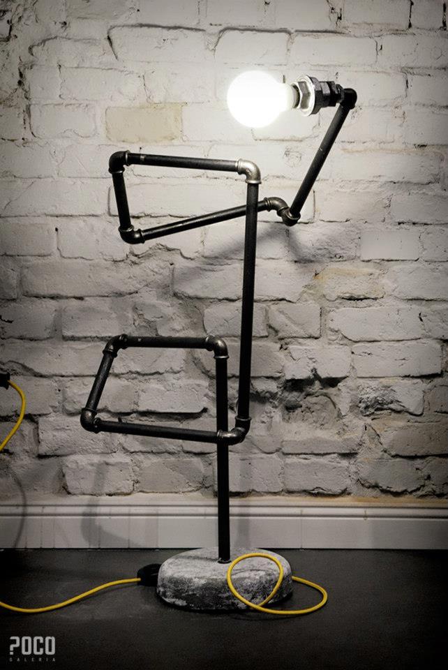 """BRAT ART, """"Stojąca lampa hydrauliczna"""", fot. M. Orzeszyna (źródło: materiały prasowe organizatora)"""