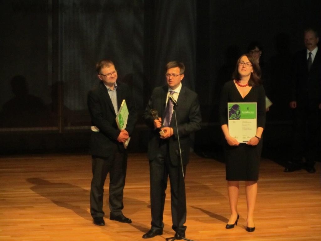 Podczas uroczystości wręczenia nagrody (źródło: mat. prasowe)