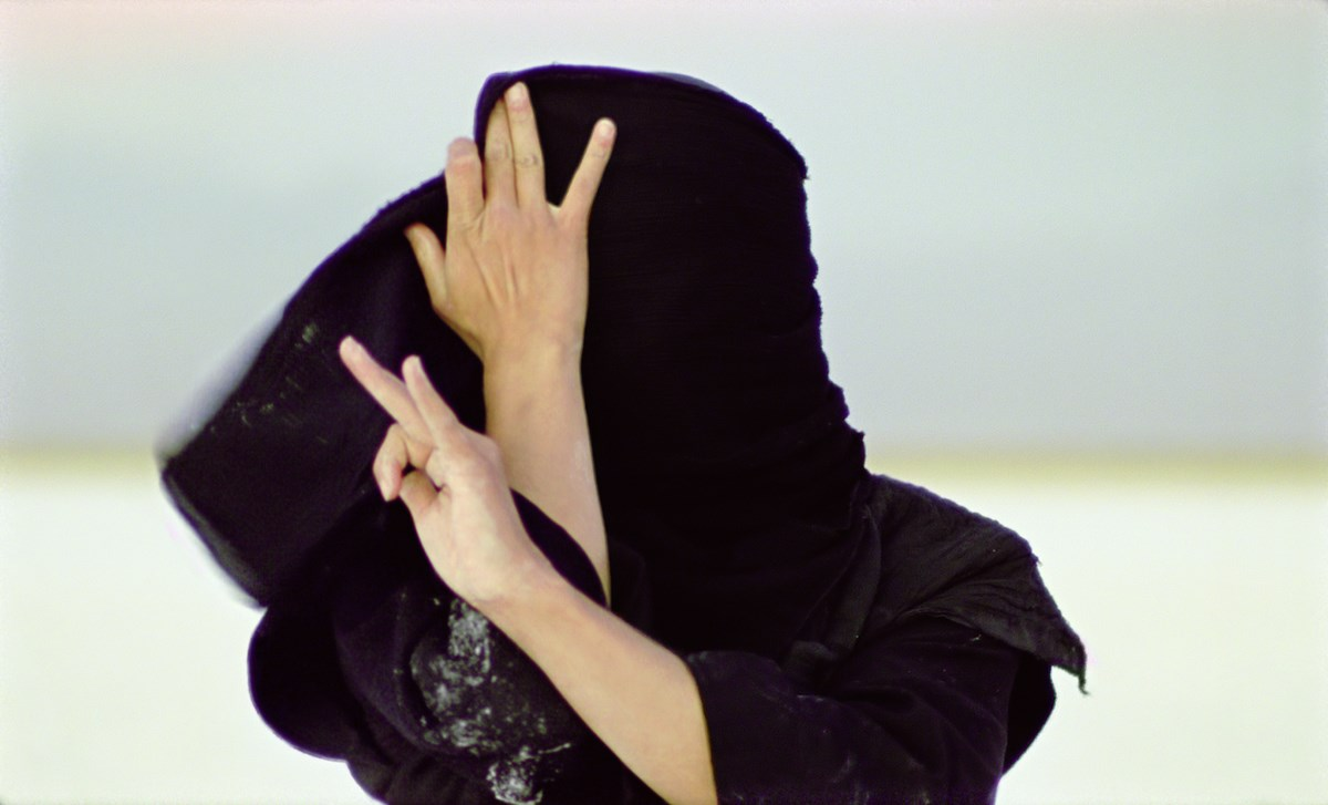 "Isabel Rocamora, ""Horizon of exile"", 2007, dual channel film, S16 mm transferred to digital, 21 mins, U.K. S16 mm film still, courtesy of Galeria SENDA"