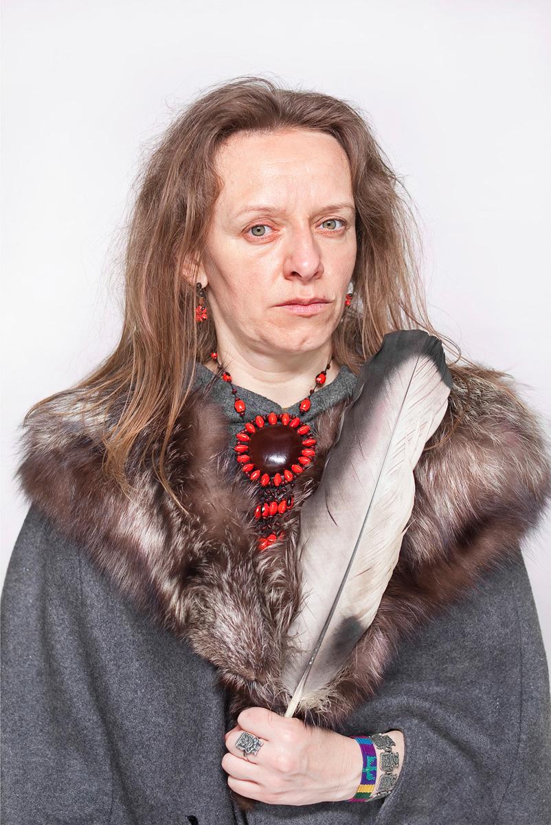 """Katarzyna Majak, """"Bea – ta która słucha lasu"""", z cyklu """"Kobiety Mocy"""", dzięki uprzejmości artystki i galerii Porter Contemporary NY"""