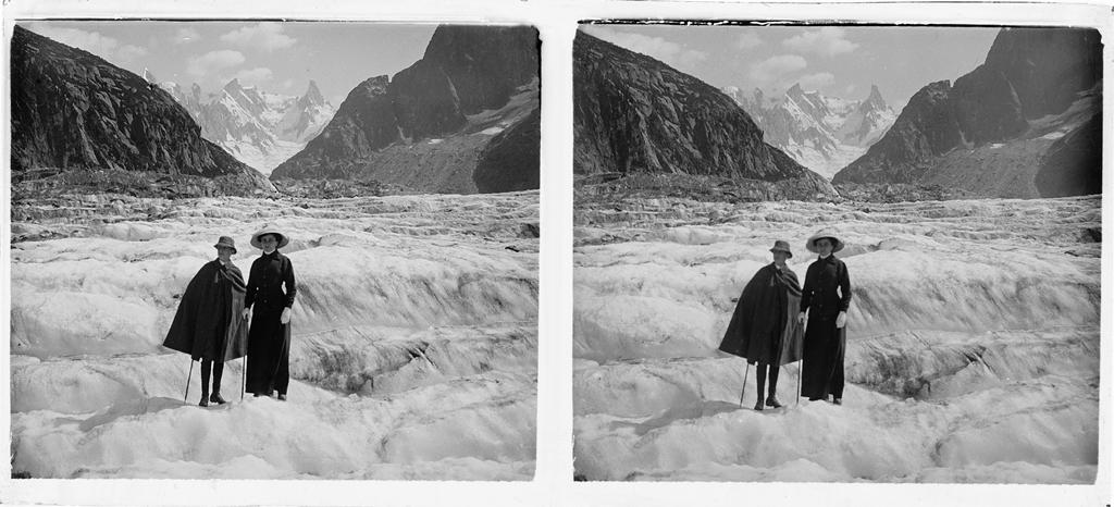 Wyprawa na lodowiec Mer de Glace w masywie Mont Blanc, ok 1910-1914. Fot. Stanisław Wilhelm Lilpop / archiwum Muzeum w Stawisku / FOTONOVA