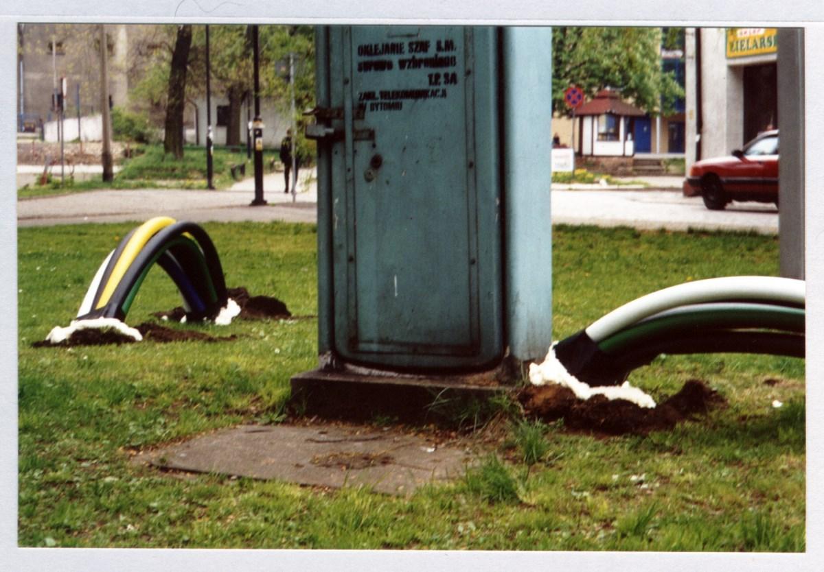 """Maciej Kurak, """"Globalizacja"""", 2001 (źródło: materiały prasowe organizatora)"""