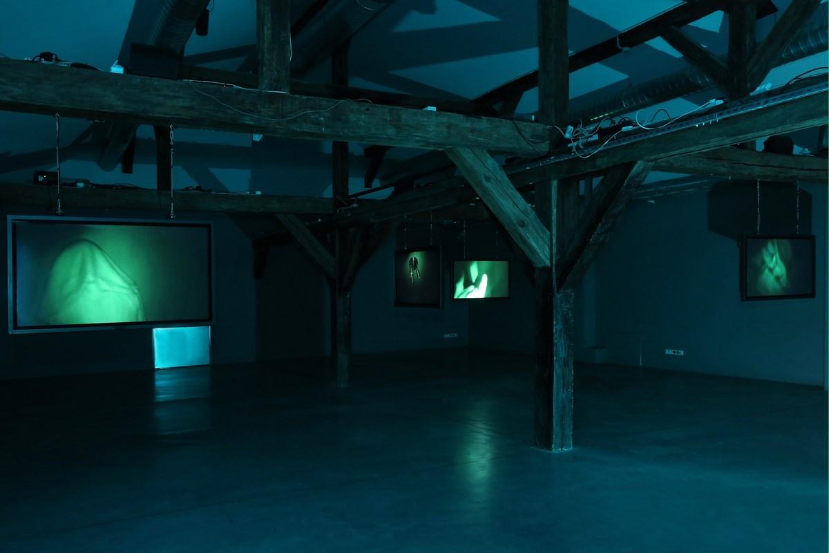"""Mirosław Bałka, """"Nachtgesichten"""", Centrum Sztuki WRO we Wrocławiu, fot. M.E. Koch (źródło: materiały prasowe organizatora)"""