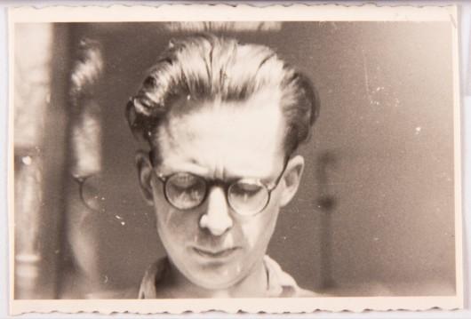 """Andrzej Wróblewski """"Autoportret z odbiciem w szybie"""", ok. 1950 roku. Dzięki uprzejmości Fundacji Andrzeja Wróblewskiego (źródło: materiały prasowe)"""