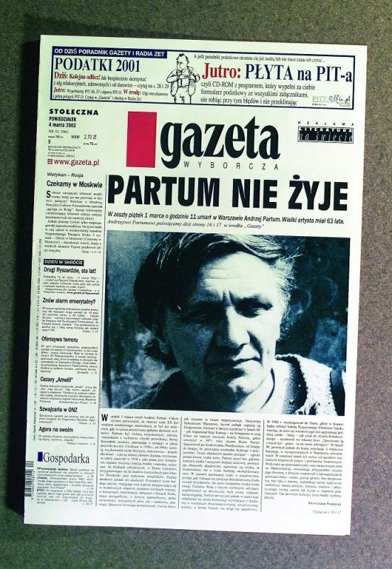 """Zbigniew Libera, """"Mistrzowie"""", 2004, 15 fotografii. Praca zakupiona przez Galerię Arsenał (źródło: materiały prasowe Galerii Arsenał)"""