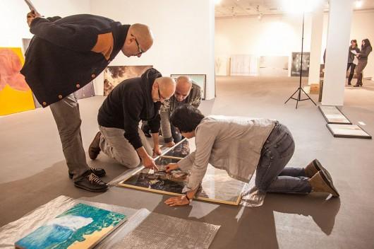 """Obrady jury 41. Biennale Malarstwa """"Bielska Jesień 2013""""; Galeria Bielska BWA, Bielsko-Biała 5–6.10.2013, fot. Jacek Rojkowski (źródło: materiały prasowe organizatora)"""