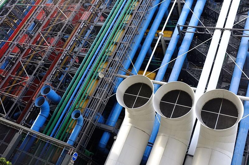 Elewacja Centrum Georges Pompidou w Paryżu, fot. Hydromel (źródło: Wikimedia Commons)