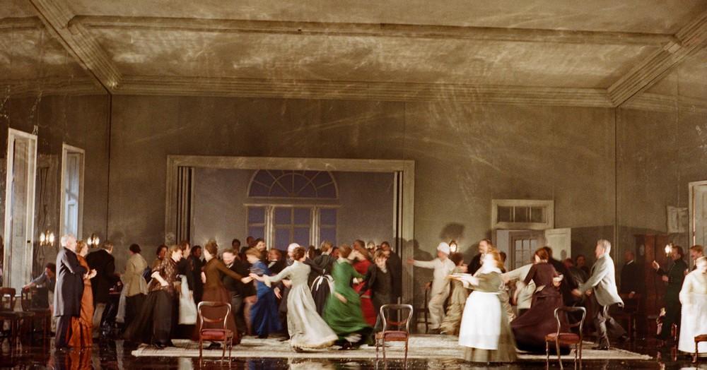 """Eugeniusz Oniegin"", English National Opera, fot. Neil Libbert (źródło: materiały prasowe organizatora)"