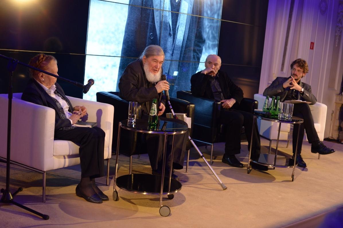 Julia Hartwig, Krzysztof Karasek, Ryszard Krynicki, Andrzej Franaszek (źródło: materiały prasowe)