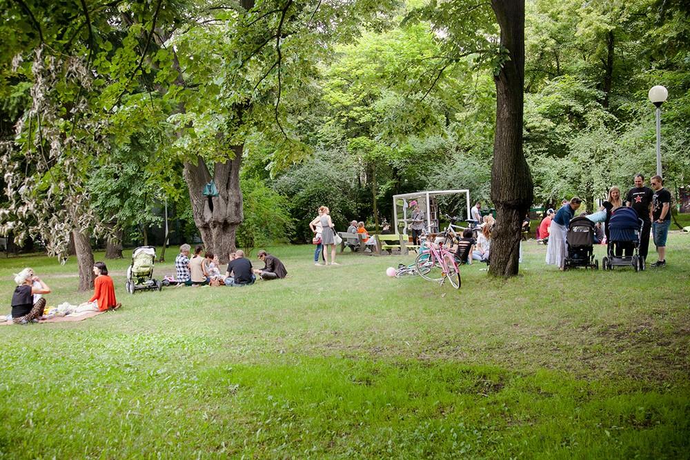 Basia Niemiec, Temporary Summer Pavilion in the Millenium Park, fot. Tomasz Pastyrczyk, 2013 (źródło: materiały prasowe organizatora)