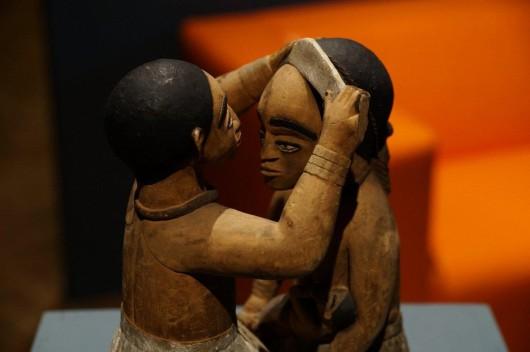 """Dokumentacja wystawy """"Skrzyżowane spojrzenia / Afryka. Studium"""", Muzeum Etnograficzne w Krakowie (źródło: materiały prasowe organizatora)"""