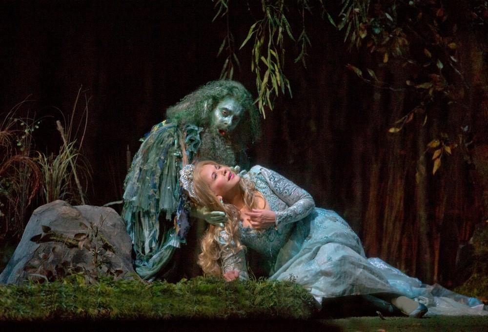 """Rusałka"", fot. Ken Howard/Metropolitan Opera (źródło: materiały prasowe organizatora)"