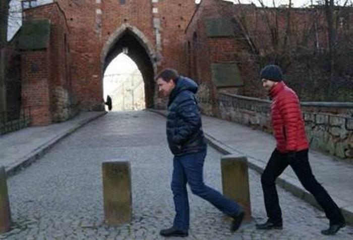 Borys Lankosz i Zygmunt Miłoszewski w trakcie dokumentacji w Sandomierzu, fot. Magdalena Lankosz (źródło: materiały prasowe)