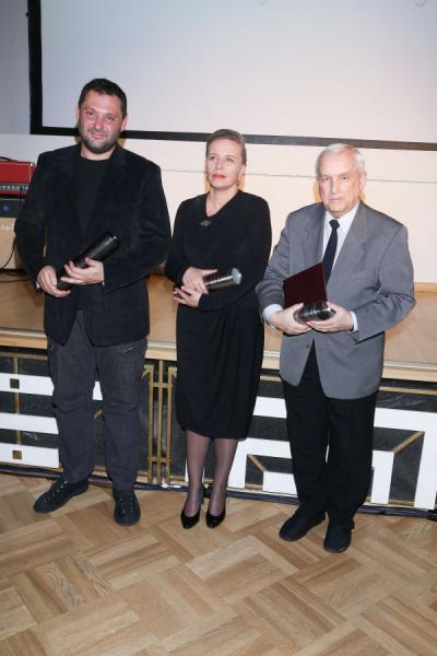 """Laureaci """"Nagród PSC"""" 2013 – Arkadiusz Tomiak, Krystyna Janda oraz Jerzy Wójcik, fot. Tomasz Żukowski / Glinka Agency (źródło: materiały prasowe organizatora)"""