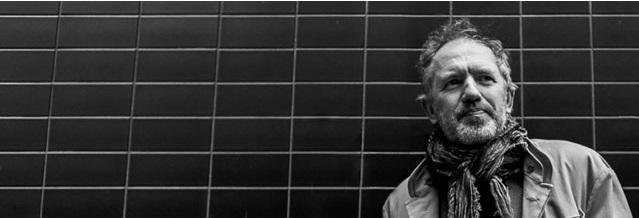 """Krużganek Movie: Anton Corbijn, """"Na wylot"""", plakat (źródło: materiały prasowe organizatora)"""