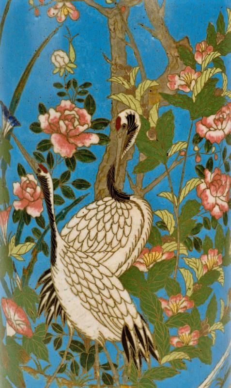 Fragment wazonu z przedstawieniem żurawi wśród peonii, Chiny XIX/XX w., emalia komórkowa (źródło: materiały prasowe muzeum)