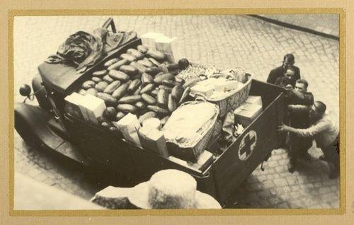 Przewożenie chleba w czasach wojny (źródło: materiały prasowe)