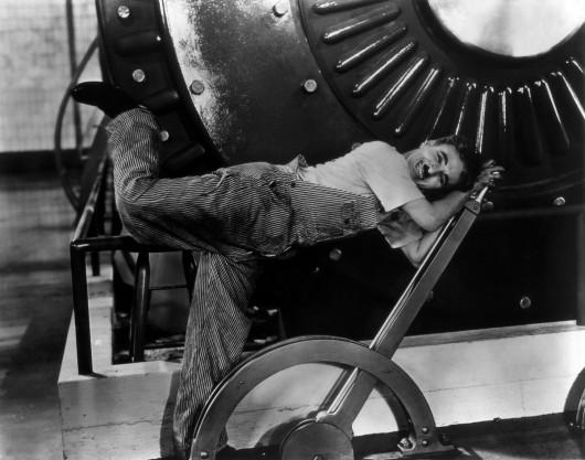 """""""Dzisiejsze czasy"""" reż. Charles Chaplin (źródło: materiały prasowe)"""