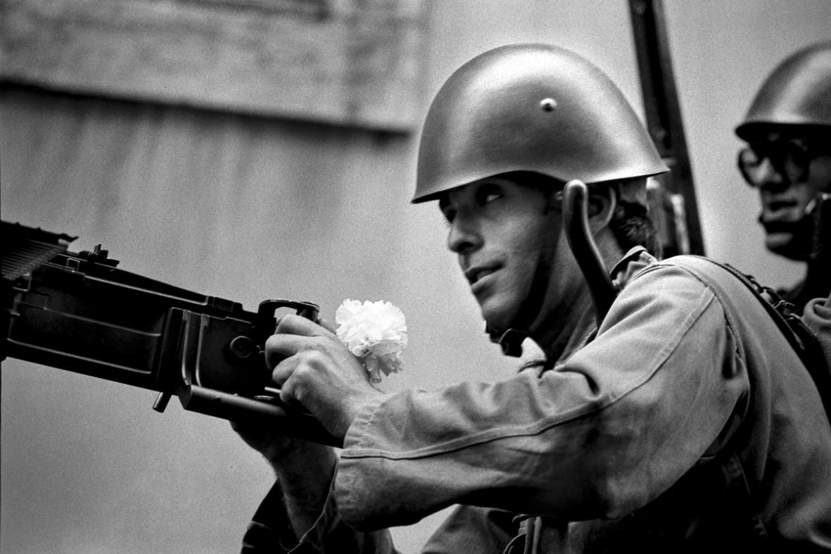 Lizbona, 25 kwietnia 1974, fot. Alfredo Cunha (źródło: materiały prasowe organizatora)