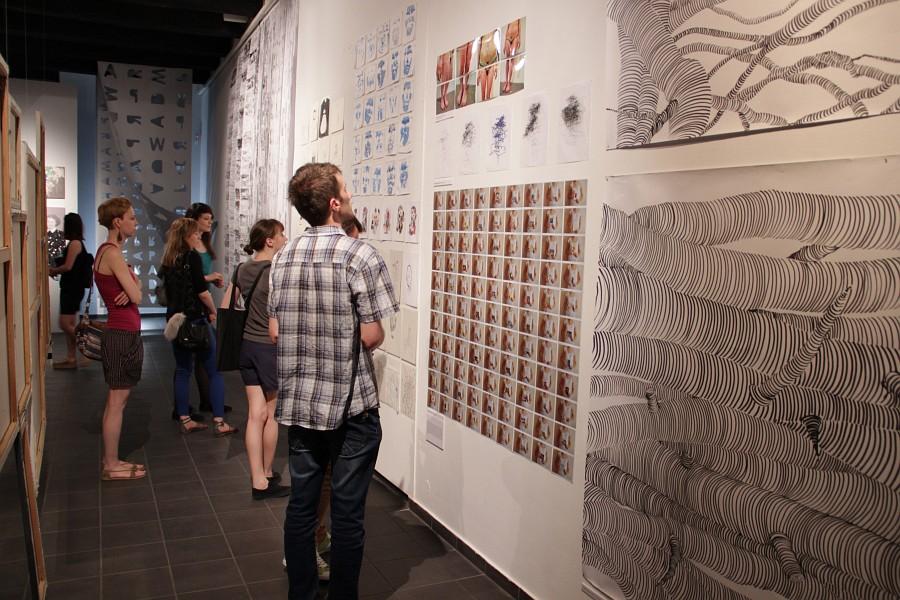 """Wystawa """"Rysować i tak, i tak, i tak"""", Galeria Sztuki Wozownia w Toruniu (źródło: materiały prasowe organizatora)"""