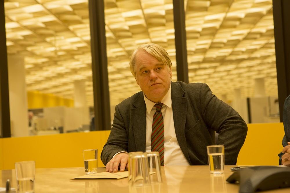 """Kadr z filmu """"Bardzo poszukiwany człowiek"""", reż. Anton Corbijn (źródło: materiały prasowe dystrybutora)"""