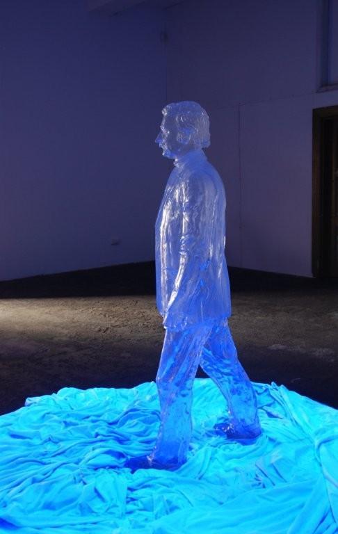 """Grzegorz Klaman, """"Przeźroczysty"""", instalacja, 2010 (źródło: materiały prasowe organizatora)"""