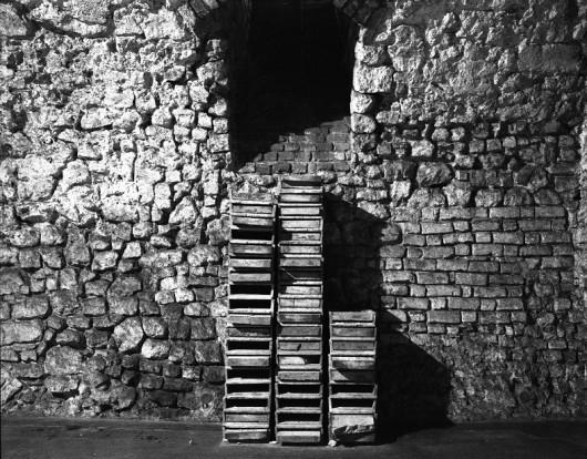 """Mikołaj Smoczyński, """"Biblioteka"""", Galeria Krzysztofory w Krakowie, 1993 (źródło: materiały prasowe organizatora)"""