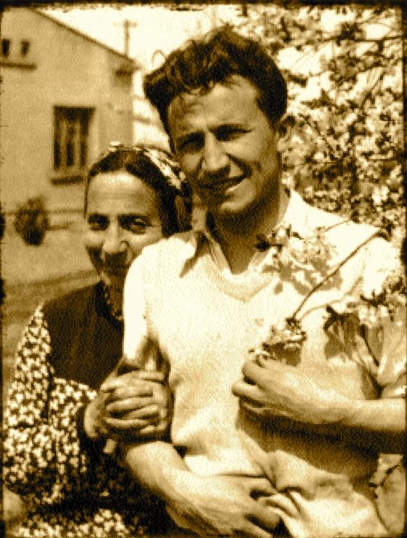 Tadeusz Różewicz z matką (źródło: materiały prasowe organizatora)