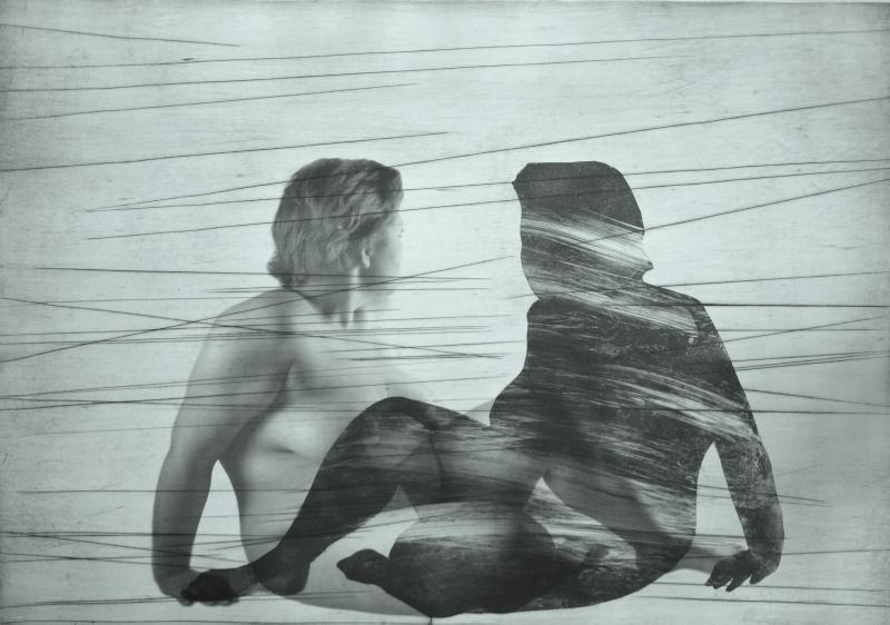 """Agata Żołądź, """"Zdemaskowany"""",ksero, monotypia, sucha igła, 100x70 cm, 2014 (źródło: materiały prasowe organizatora)"""