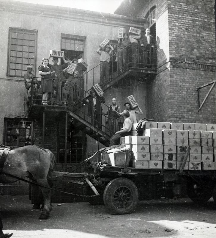 """""""Ratunek, pomoc i odbudowa: 100 lat Jointu w Polsce"""" – zdjęcie z wystawy (źródło: materiały prasowe)"""