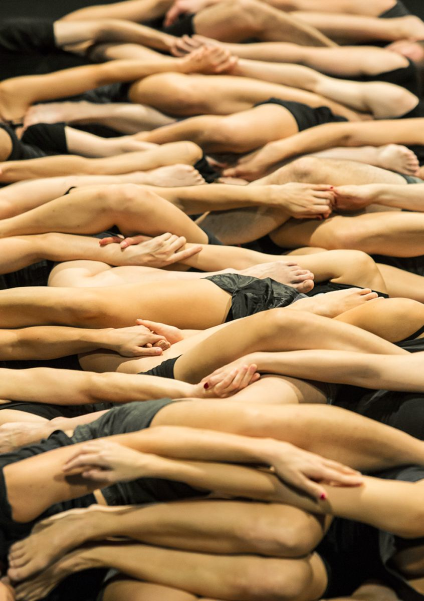 """Isabelle Schad, """"Collective Jumps"""" (źródło: materiały prasowe)"""