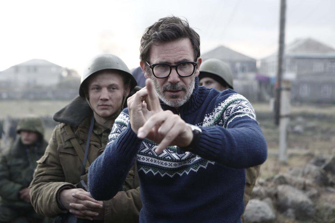 """Kadr z filmu """"Rozdzieleni"""", reż. Michel Hazanavicius (źródło: materiały prasowe)"""