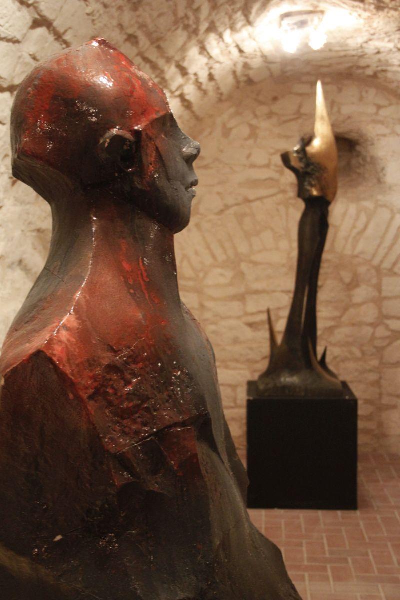 Rzeźba autorstwa Adama Myjaka, Pałac w Gardzienicach (źródło: materiały prasowe organizatora)