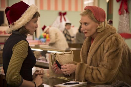 """Rooney Mara (najlepsza aktorka) i Cate Blanchett w """"Carol"""" Todda Haynesa (źródło: materiały prasowe dystrybutora)"""