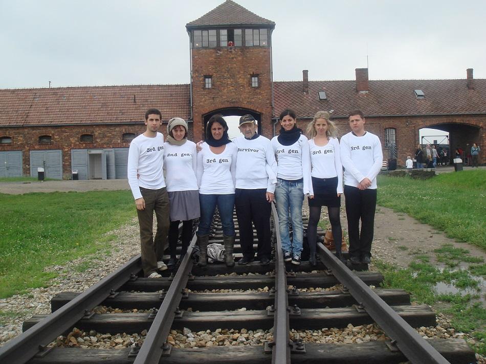"""Jane Korman, """"Tańcząc w Auschwitz"""", 2010 (źródło: materiały prasowe organizatora)"""