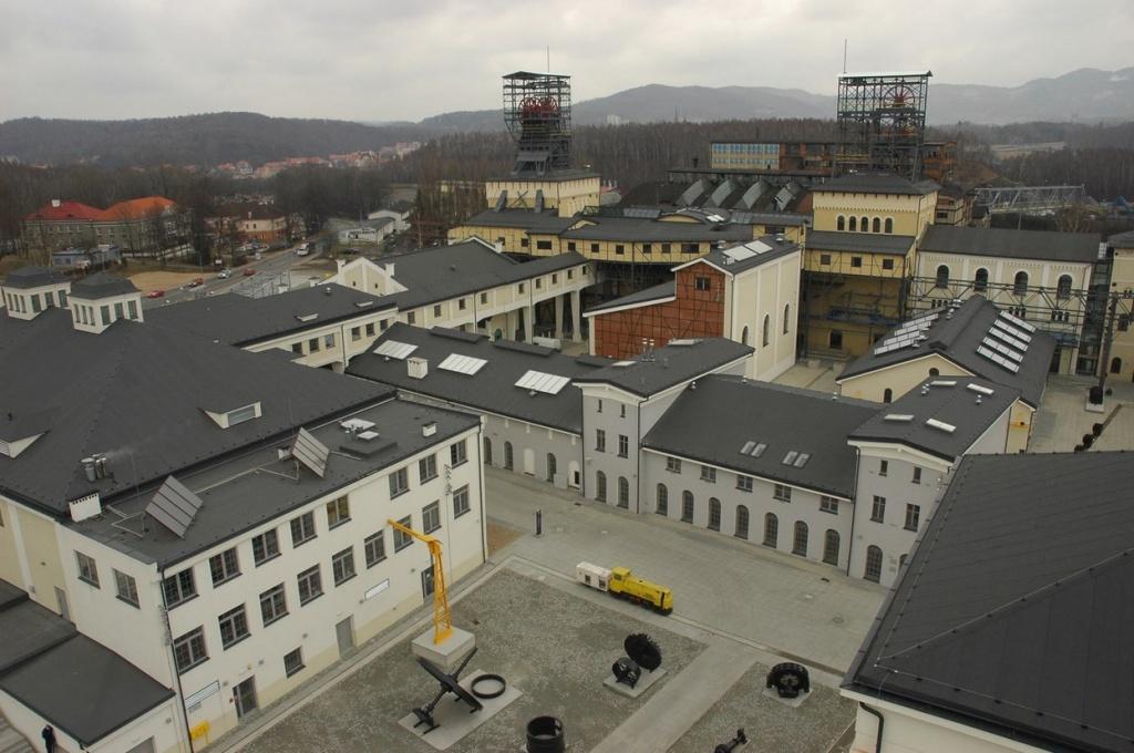 Zespół kopalni Julia w Wałbrzychu, obecnie Park Wielokulturowy Stara Kopalnia – Centrum Nauki i Sztuki (źródło: www.nid.pl)