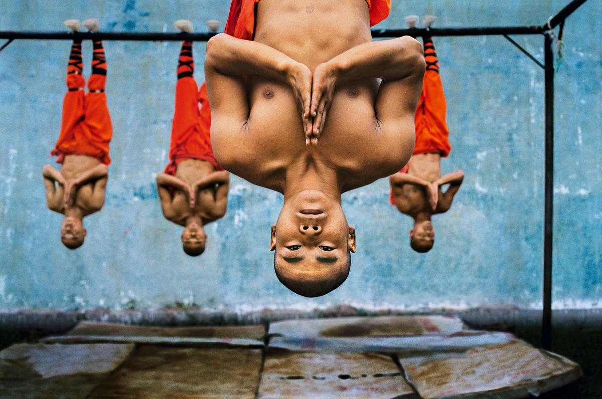 """Steve McCurry, wystawa """"Unguarded Moments"""" (źródło: materiały prasowe organizatora)"""