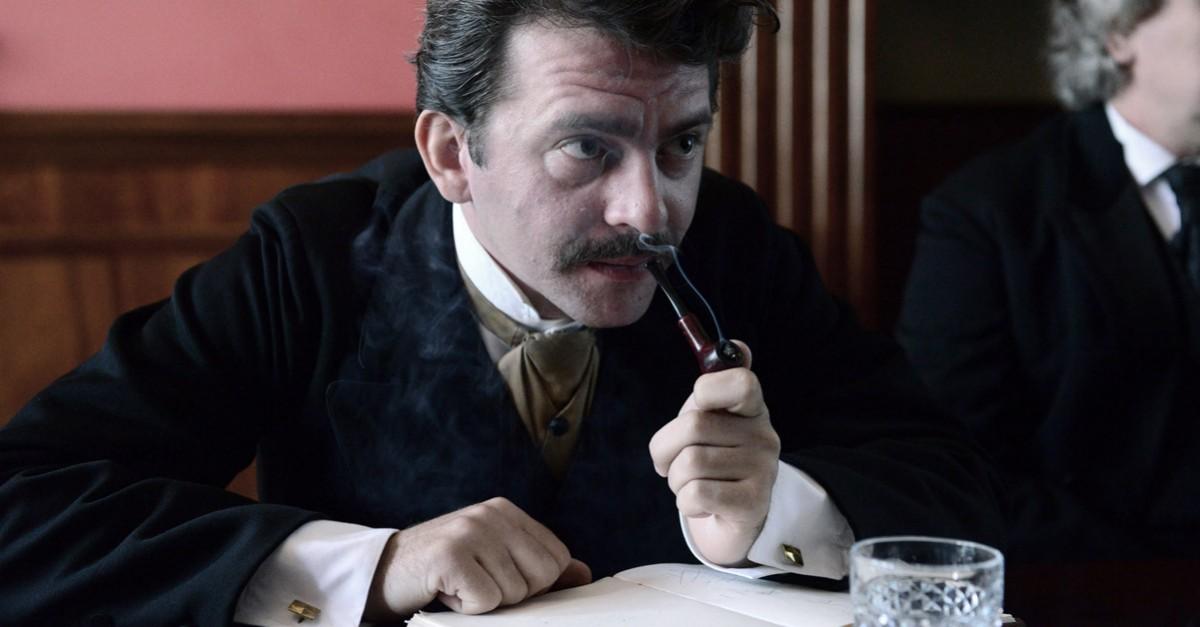 """Piotr Głowacki w filmie """"Maria Curie"""", fot. Grzegorz Hartfiel (źródło: materiały prasowe dystrybutora)"""