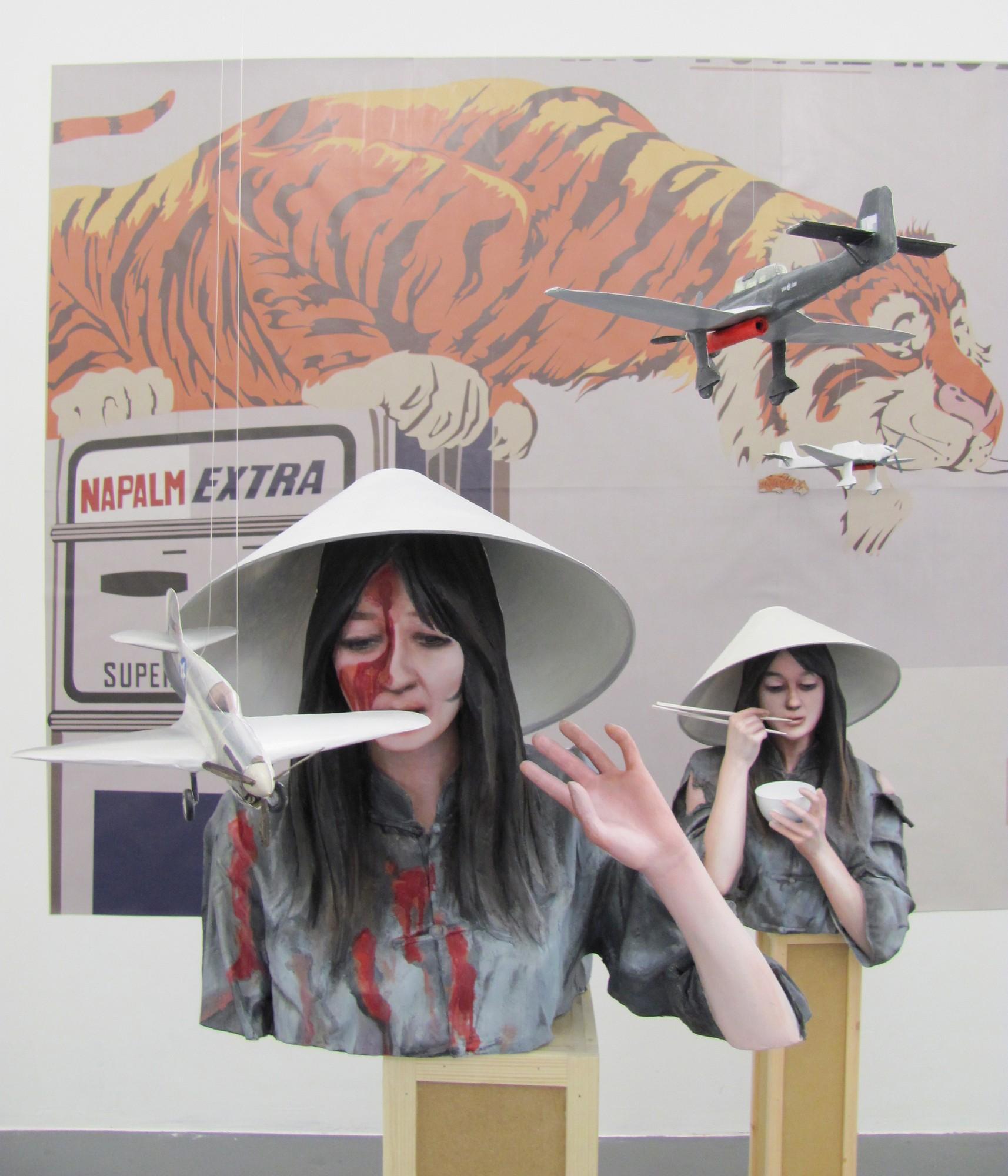"""Anna Baumgart, """"La chinoise"""", 2010, instalacja (źródło: materiały prasowe organizatora)"""