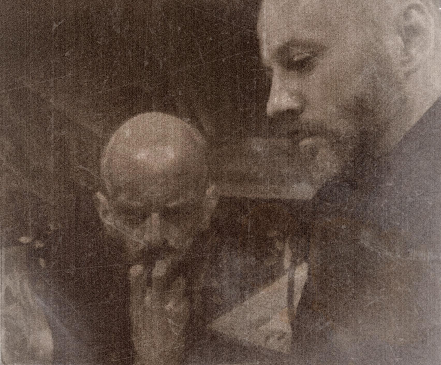 """Bartek Jarmoliński, fotografia z wystawy """"Uwarunkowania genetyczne"""" (źródło: materiały prasowe organizatora)"""