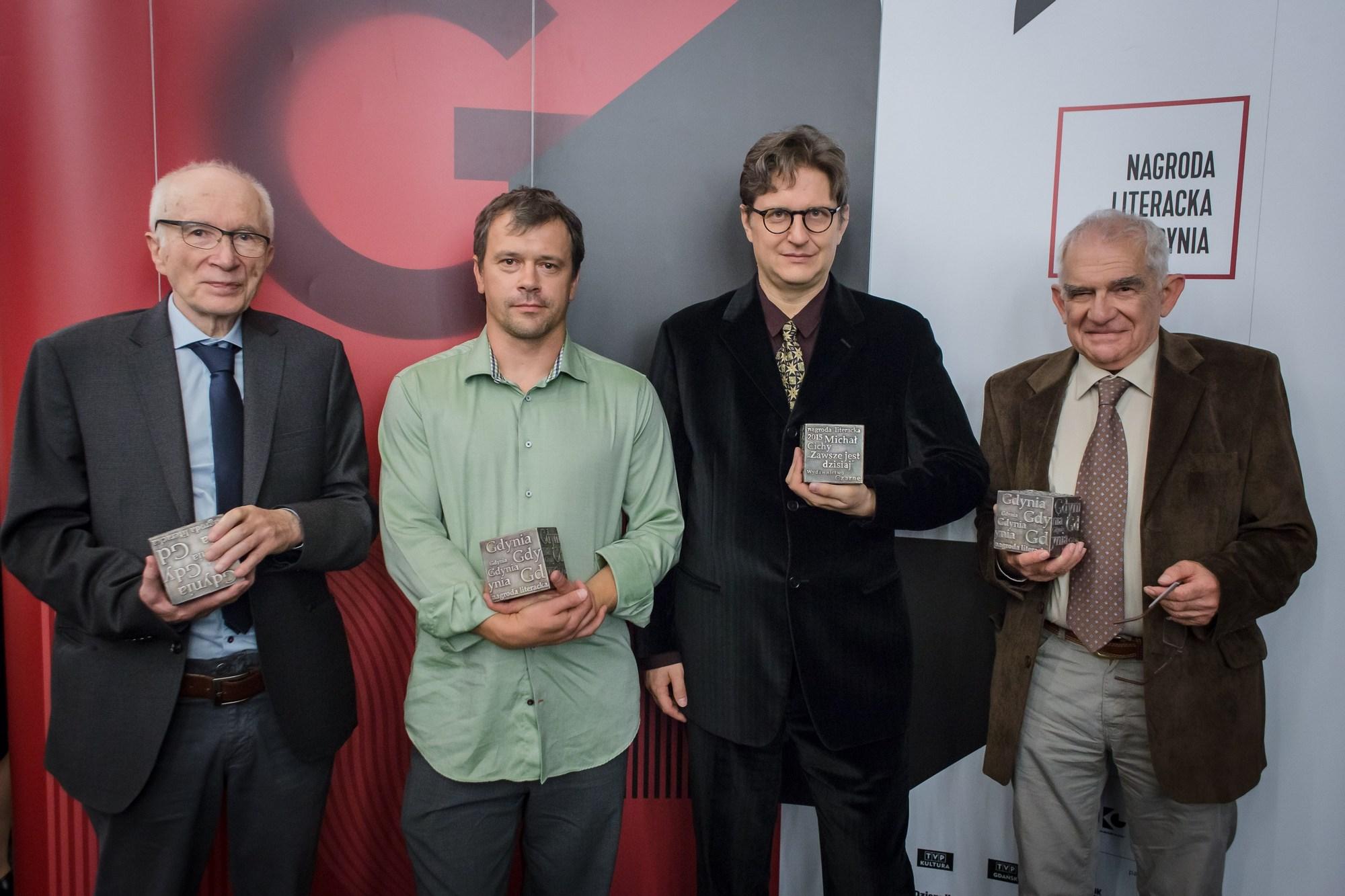 Nagroda Literacka Gdynia 2015 – laureaci. Od lewej: P. Wierzbicki, P. Janicki, M. Cichy, W. Dłuski. Fot. Wojciech Rojek (źródło: materiały prasowe organizatora)