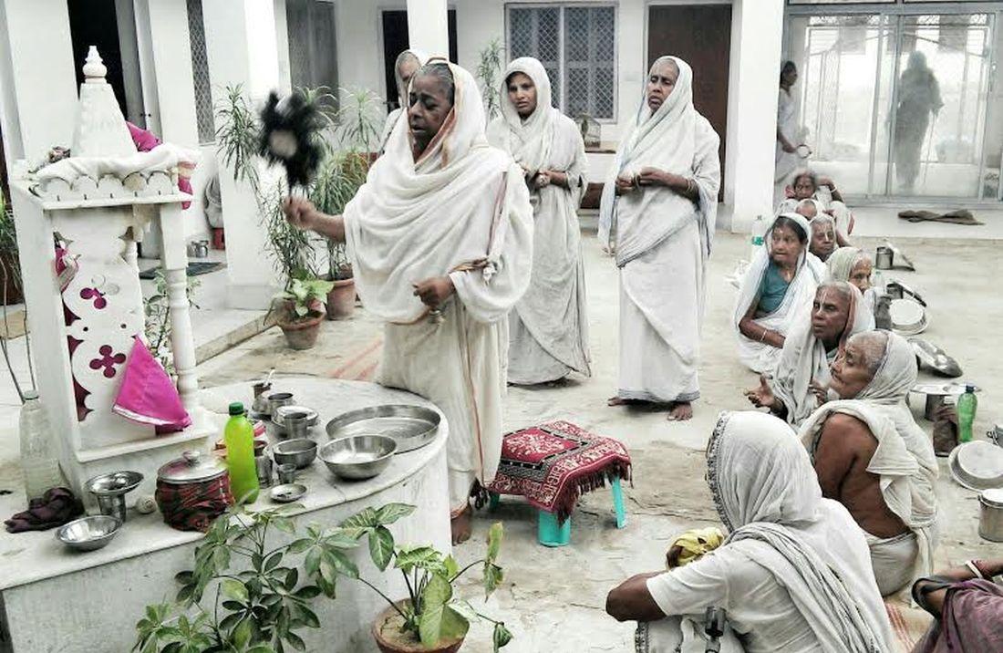 Wdowy z Vrindavan (źródło: materiały prasowe Teatru Powszechnego)