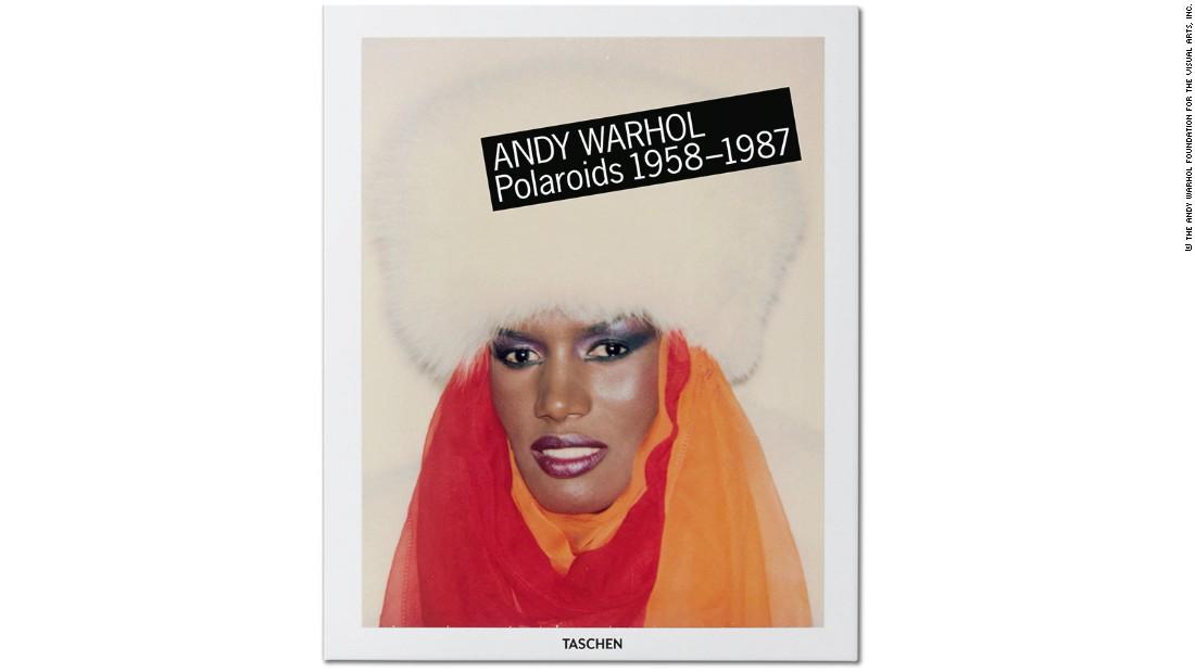 """""""ANDY WARHOL, Polaroids 1958-1987"""", wyd. TASCHEN, okładka (źródło: CNN Style)"""