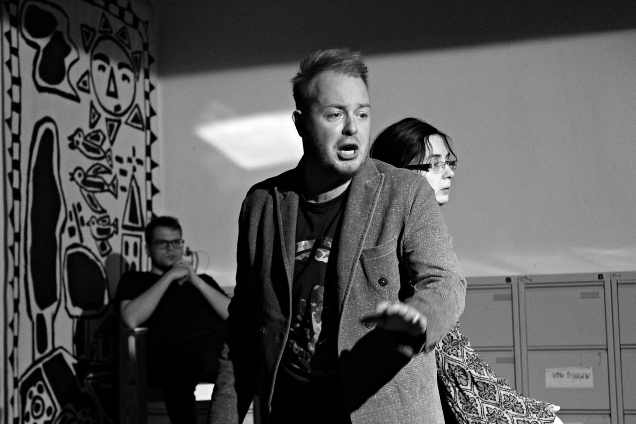 """""""Pomiędzy"""", reż. Ewa Ignaczak, fot. Grzegorz Kujawiński (źródło: materiały prasowe organizatora)"""