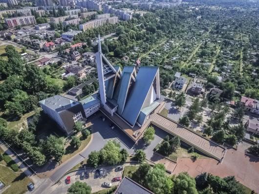 """Wystawa  """"Architektura VII Dnia"""", Muzeum Etnograficzne w Warszawie (źródło: materiały prasowe organizatora)"""