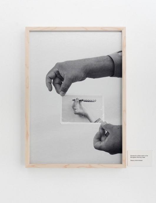 """Christian Jankowski, """"Studia do pomnika burżuazyjnej klasy pracującej 1-28"""", 2012, dzięki uprzejmości artysty i Galerie Klosterfelde z Berlina (źródło: materiały prasowe organizatora)"""
